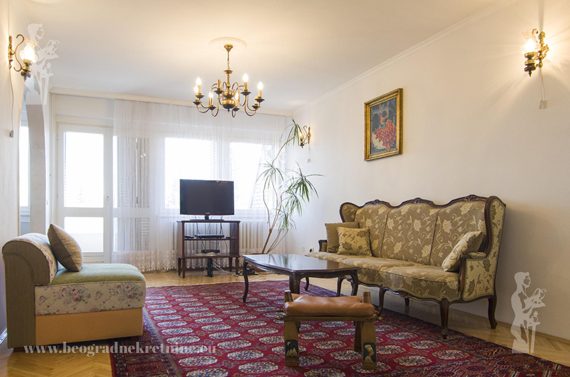 Lux kuća 300m2 Višnjička banja Miloša Crnjanskog