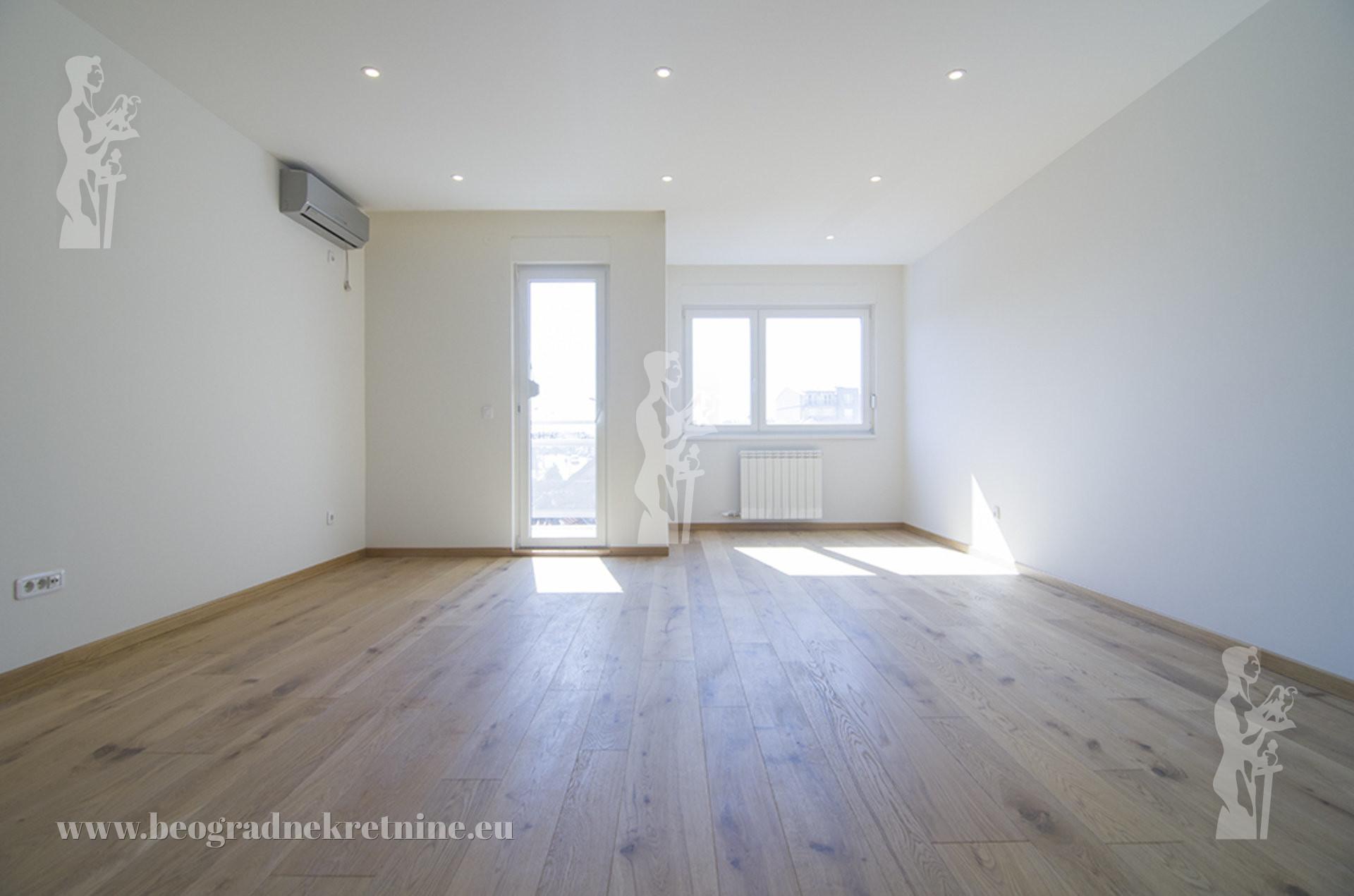 Lux stan u novogradnji 4 0 100m2 III 2T Cg g