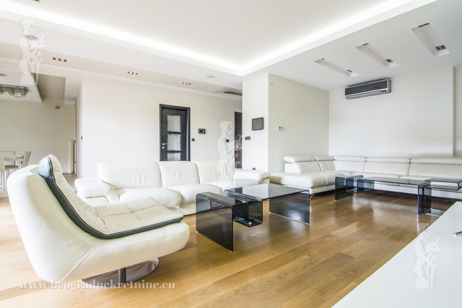 Lux apartman Autokomanda 4 0 192m2 I IV gas