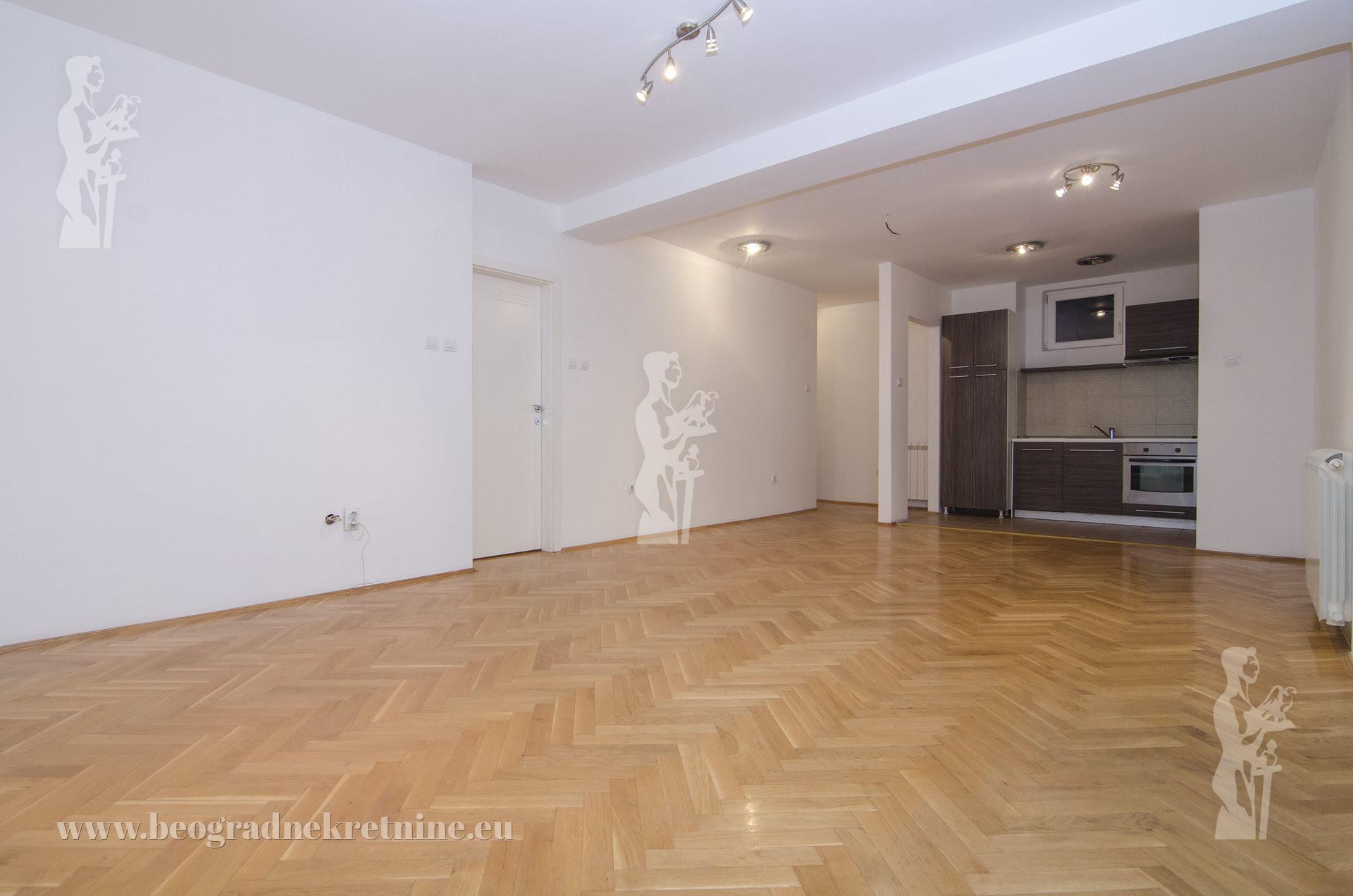 Opština Zvezdara Đeram Đevđelijska 4 0 84 m2