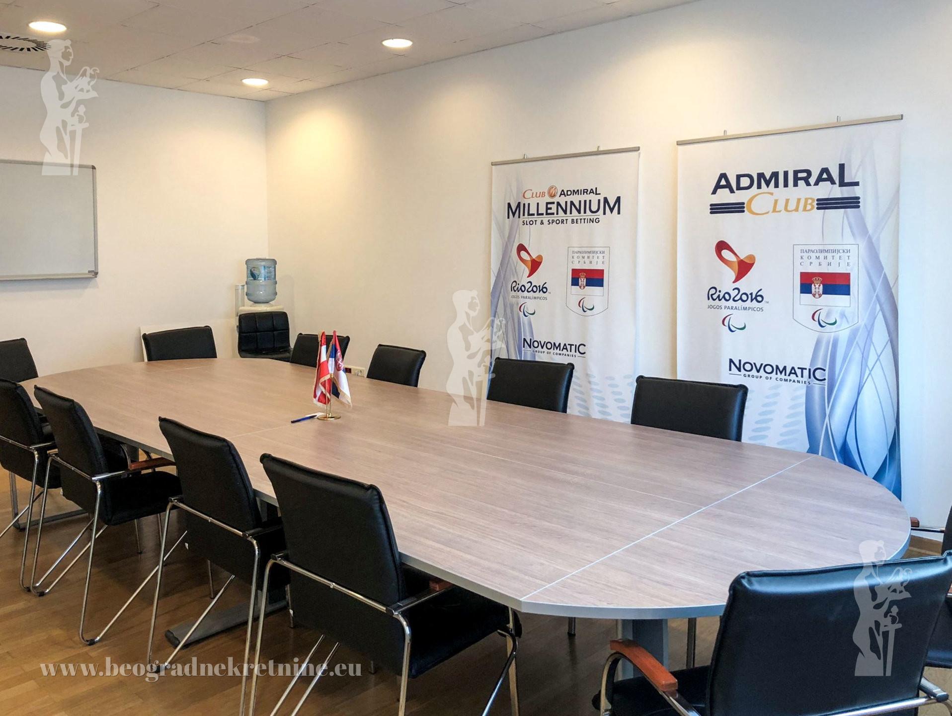 Poslovni prostor 9 kancelarija 335m2 Bežanijsk