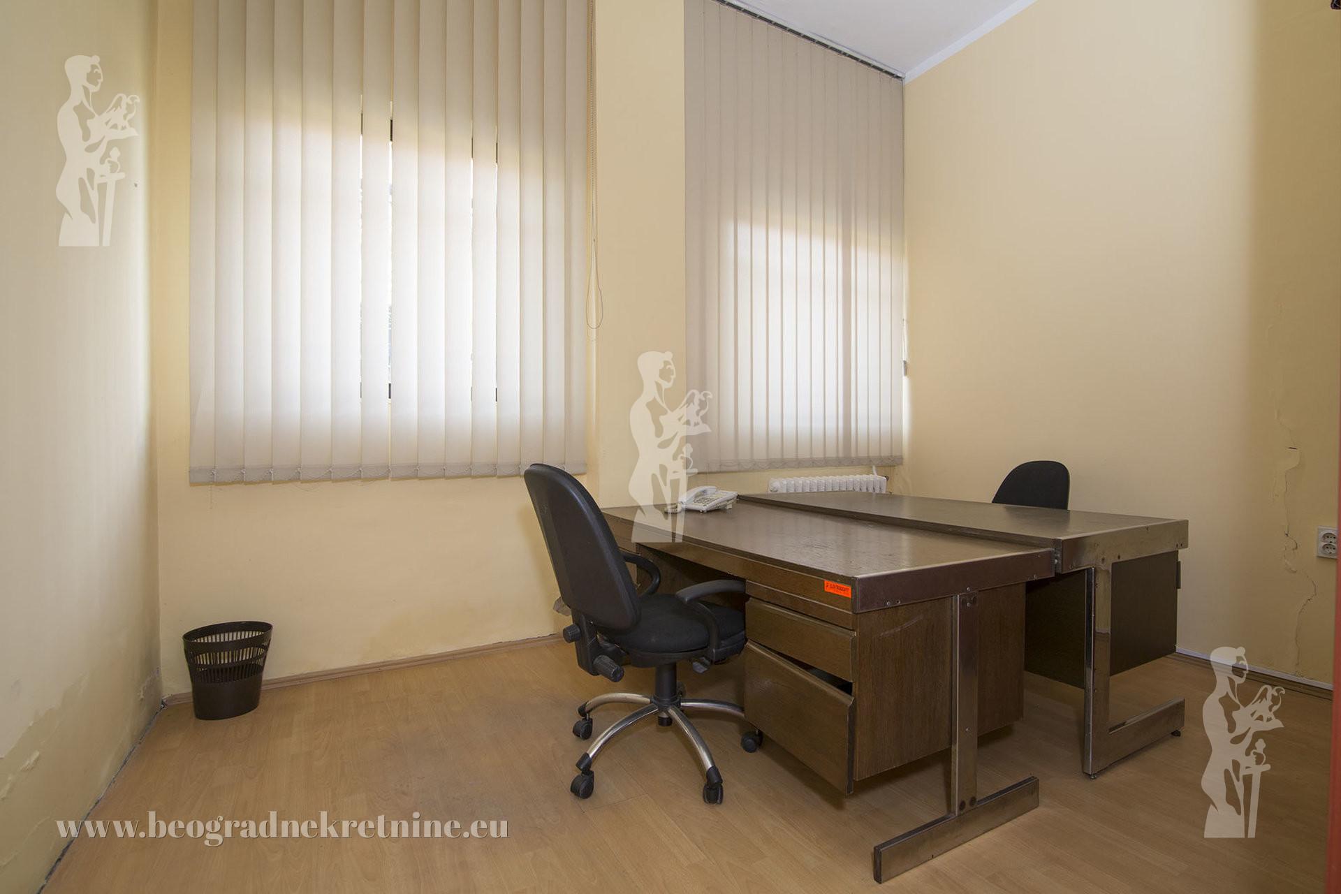Poslovni prostor kancelarija 70 m2