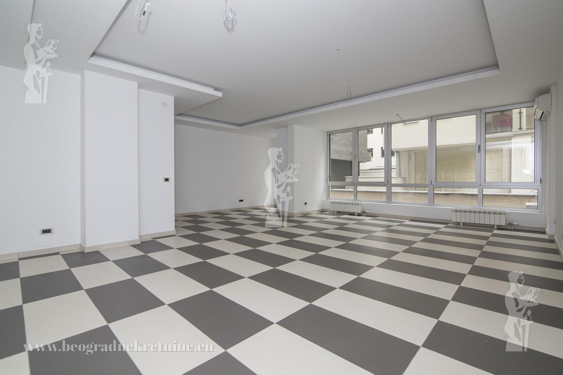 Poslovni prostor 140 m2 Kalenić